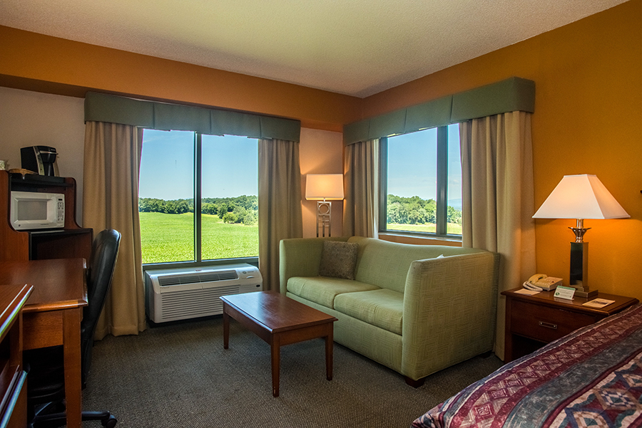 king bed hotel rooms with view in Orange, Virginia at Round Hill Inn